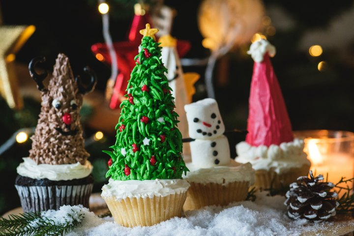 How to Stay Fit and Healthy Over the Holidays While Having Your Cake and Eating it Too